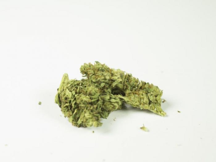ak 47 cannabis legale